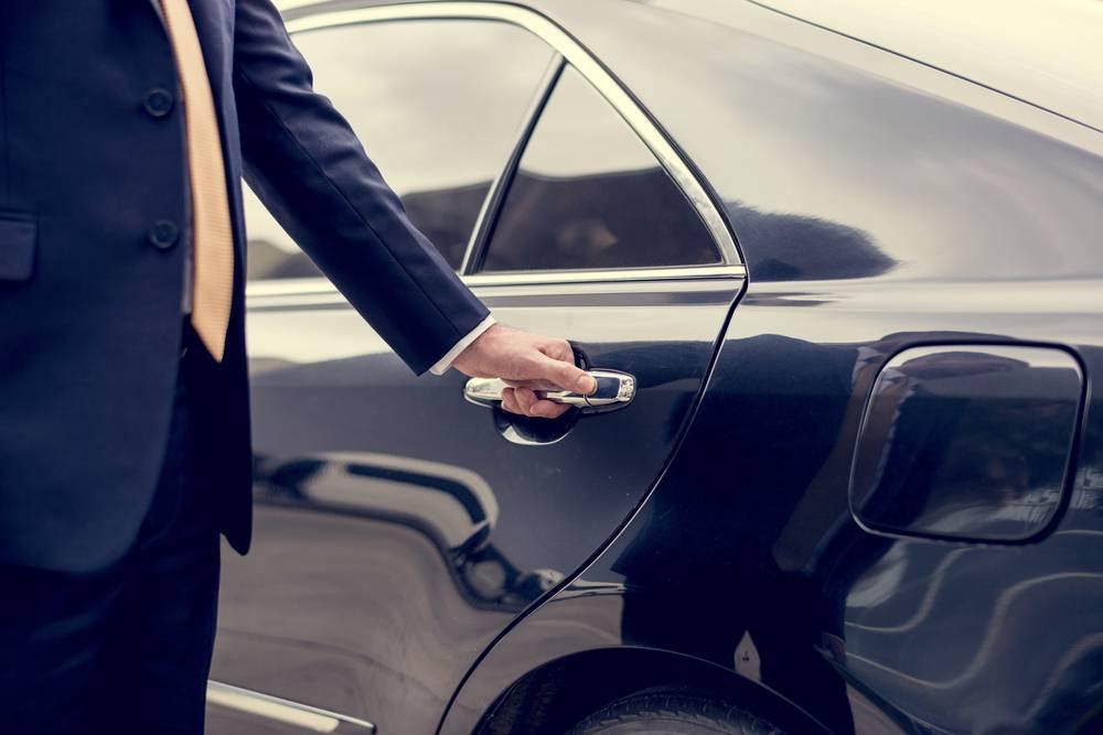 Alquilar vehículo y chófer es tendencia entre los empresarios madrileños