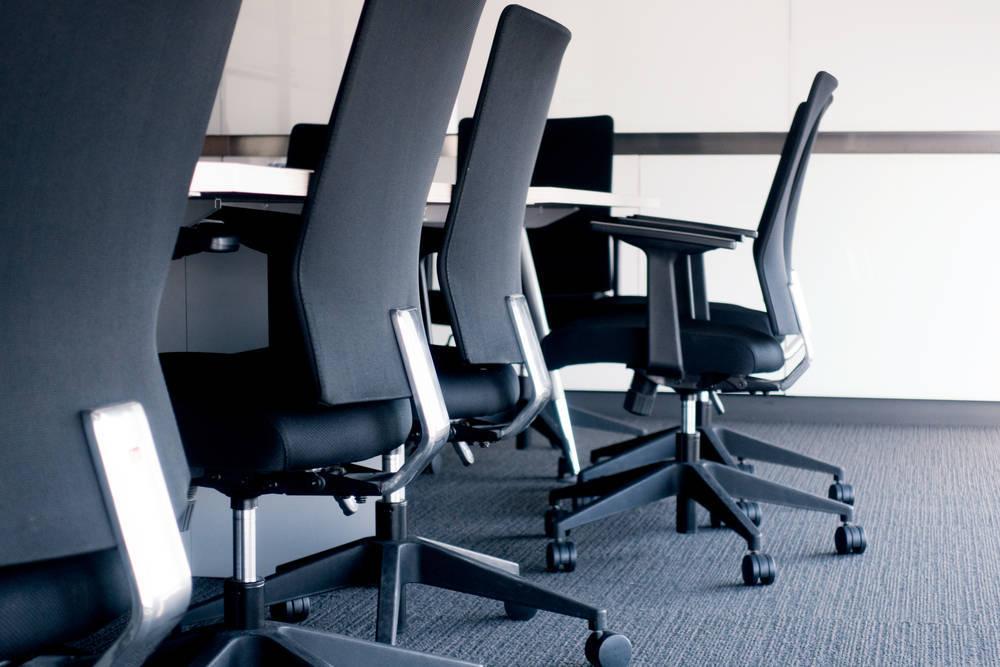 Cómo elegir la silla adecuada para tu puesto de trabajo