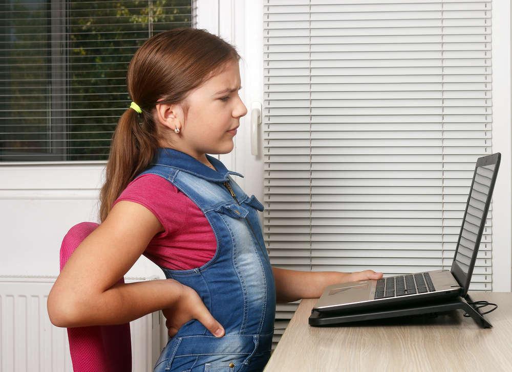 Problemas posturales comienzan en la infancia